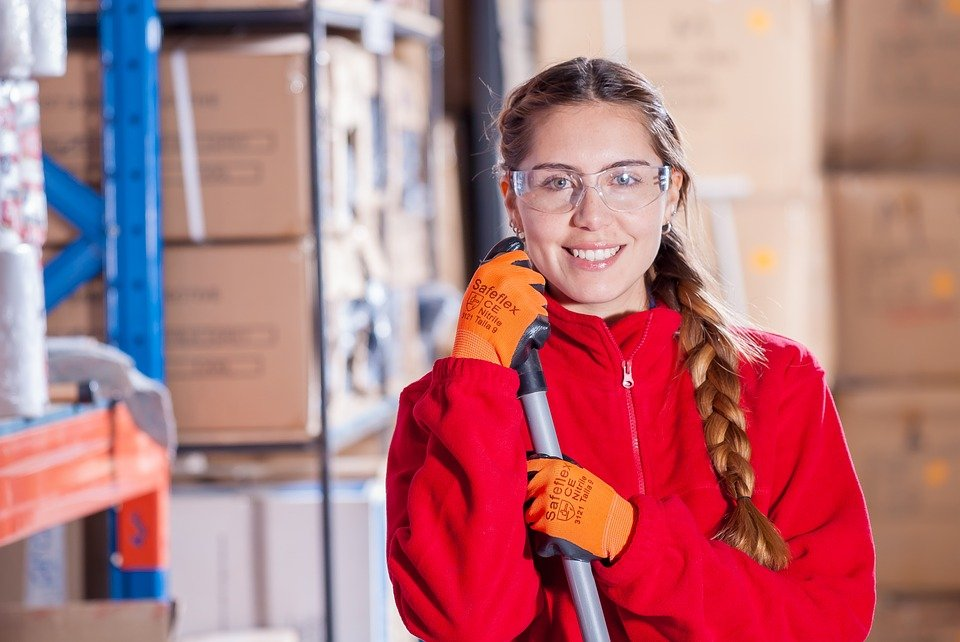 Usposabljanje na delovnem mestu za osebe z mednarodno zaščito in tujce