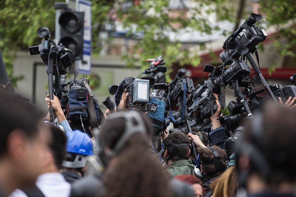 Grantly - Medijski sveti v digitalni dobi
