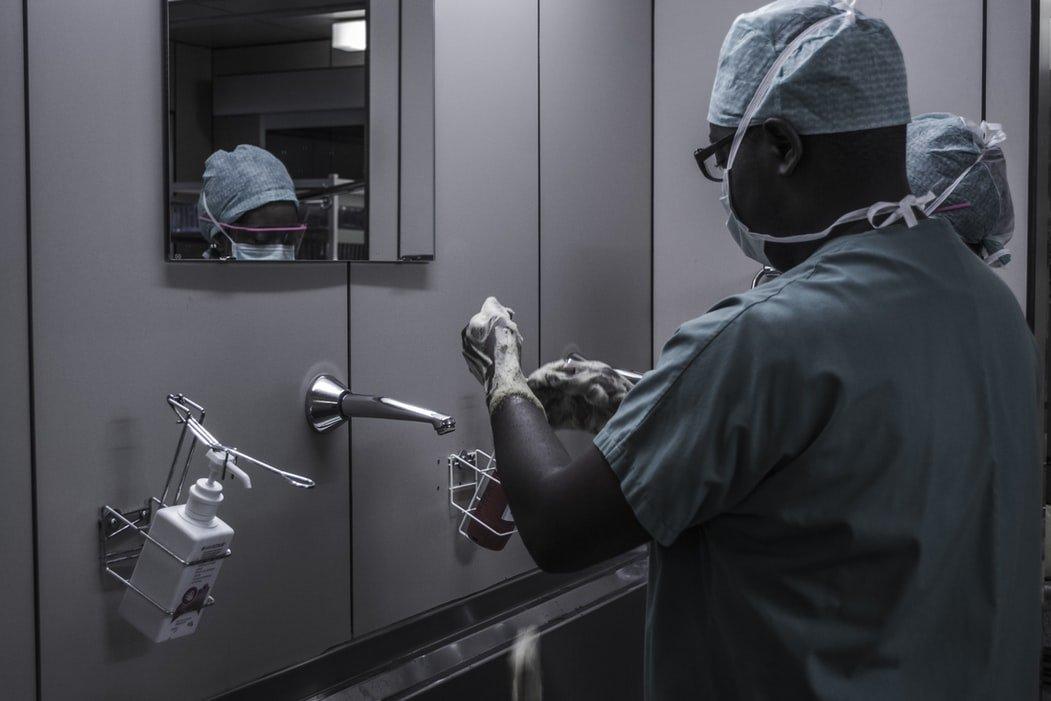 Grantly - Pospeševanje razvoja zdravstvene robotike